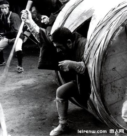 香港新派武侠电影与日本异色电影的冲击──《独臂刀大战盲侠》