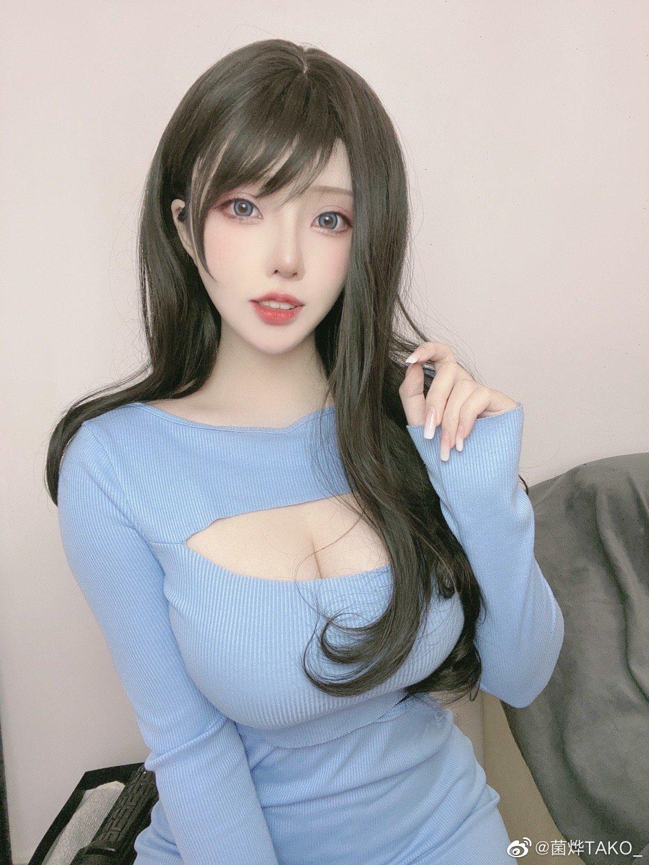 微博妹子菌烨TAKO 蓝色战衣 主题挑战图片欣赏-觅爱图