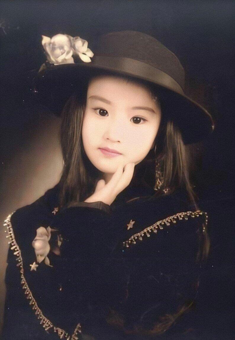 刘亦菲小时候的图片 神仙姐姐从小美到大
