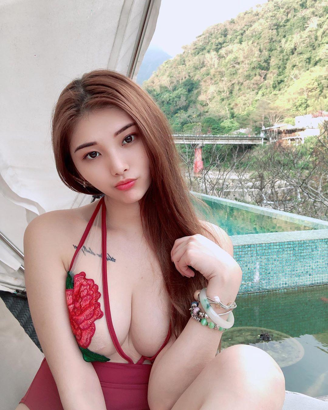 火辣模特妮莎Nisa销魂人字沟性感美体让人无法招架 养眼图片 第5张