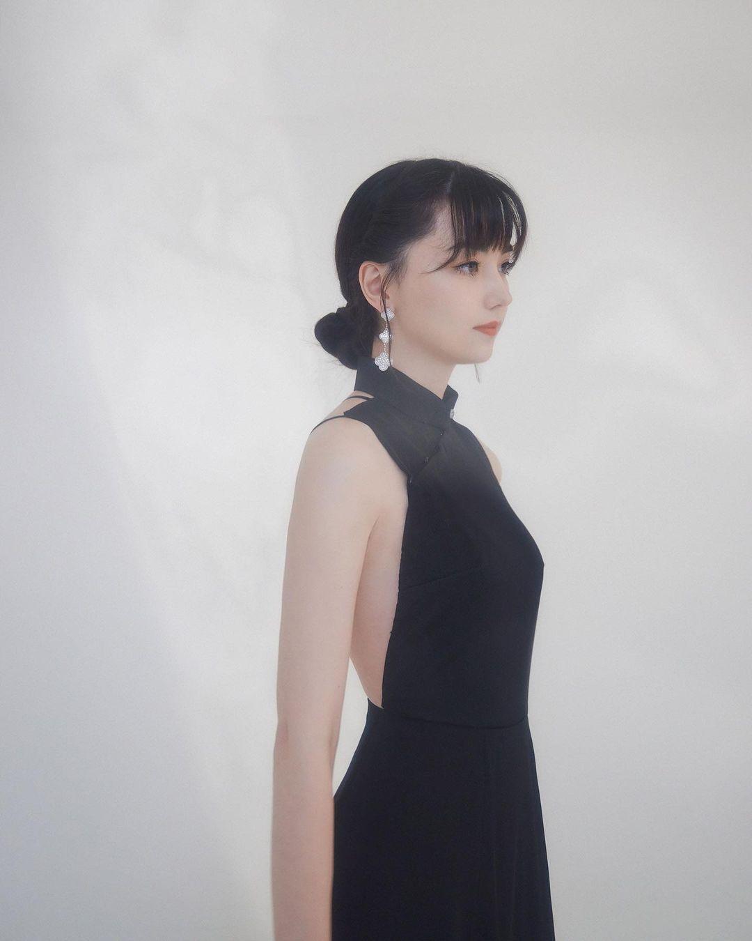 围棋女神黑嘉嘉金马奖绝美造型超优雅 养眼图片 第1张