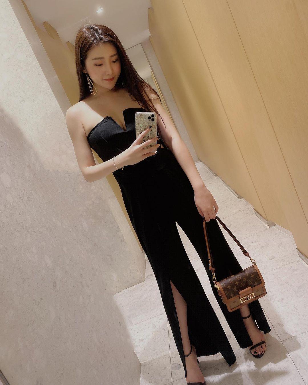 吃货美女许薇安Vivi Hsu丰满上围比拿铁还重 养眼图片 第5张