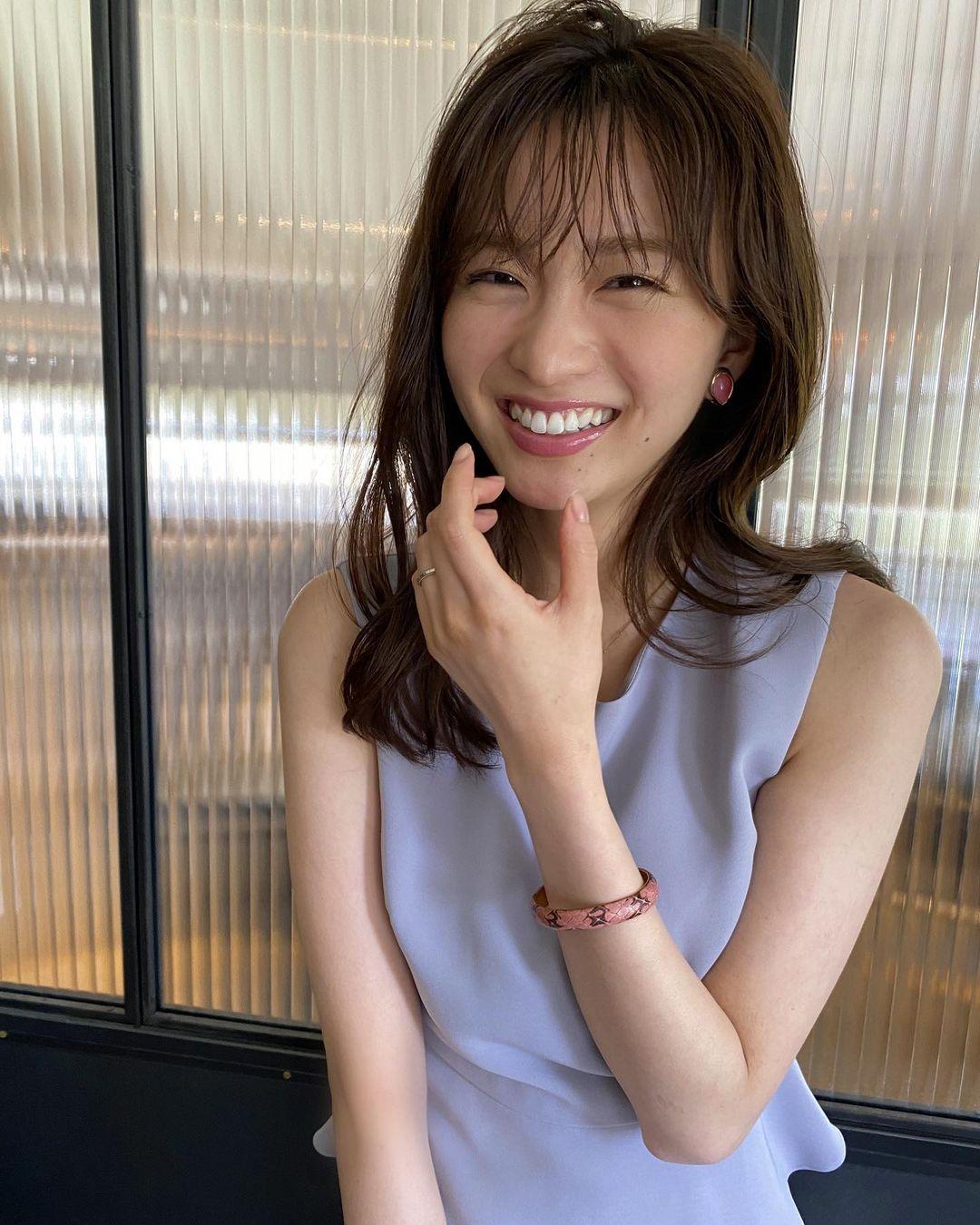 日系时尚杂志模特冈崎纱绘清甜笑容亲和力十足完全就是女友理想型 网络美女 第17张