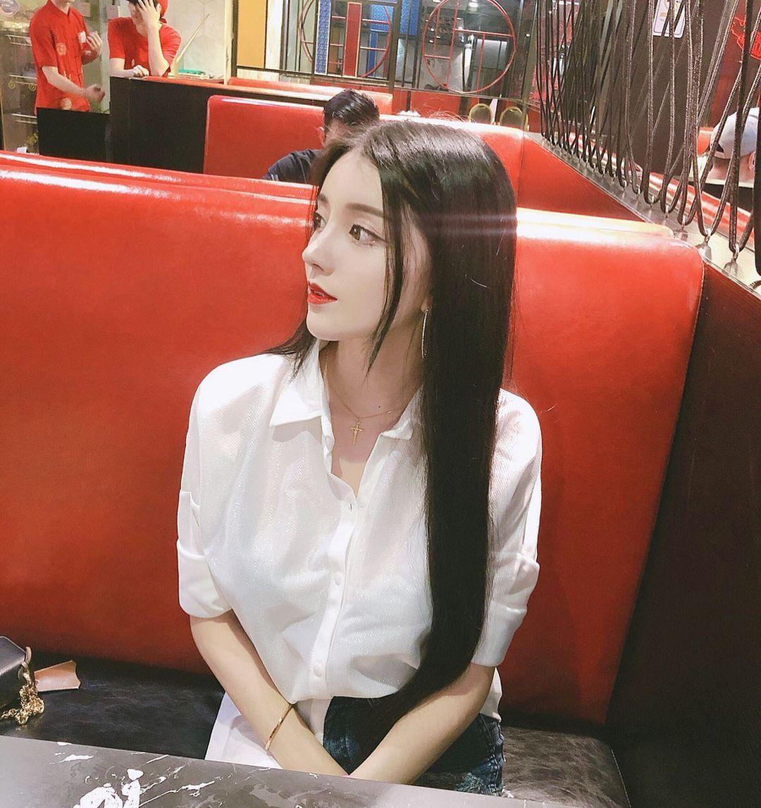 辣妹Candice林梦恬傲人身材美艳外型超极品 吃瓜基地 第2张