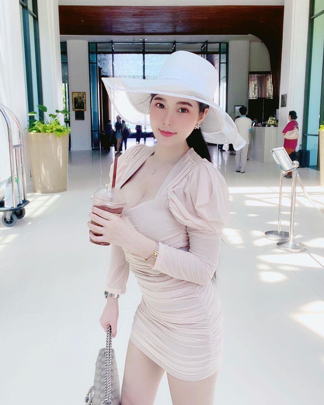 泰式奶茶喝起来!泰国女模《kanyanat》蒙蔽了我的双眼!-新图包
