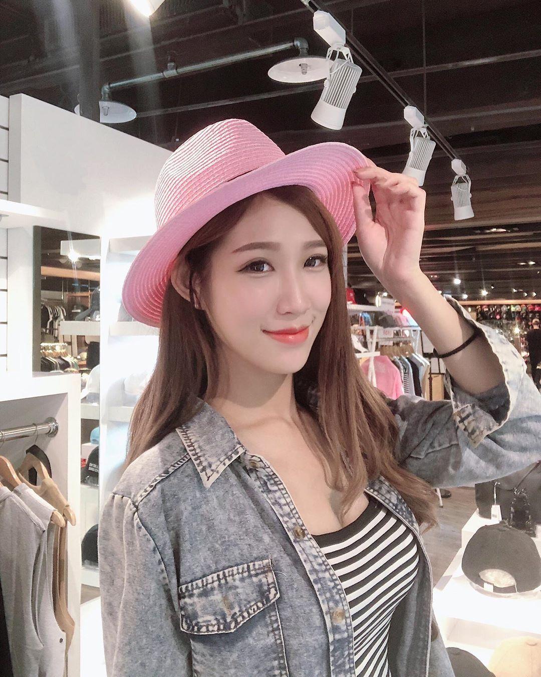 [网络正妹]甜美小护士罗熙-Rolle 颜值惊为天人!-有意思吧