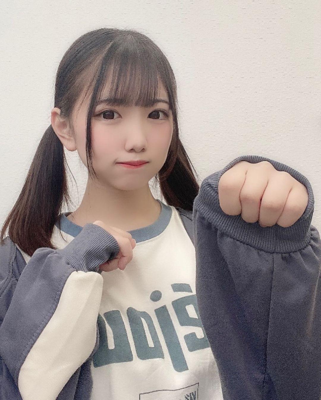 17岁高中生偶像「佐藤结衣」呆萌灿笑甜到让人蛀牙双马尾造型更是可爱到一个犯规啊-新图包