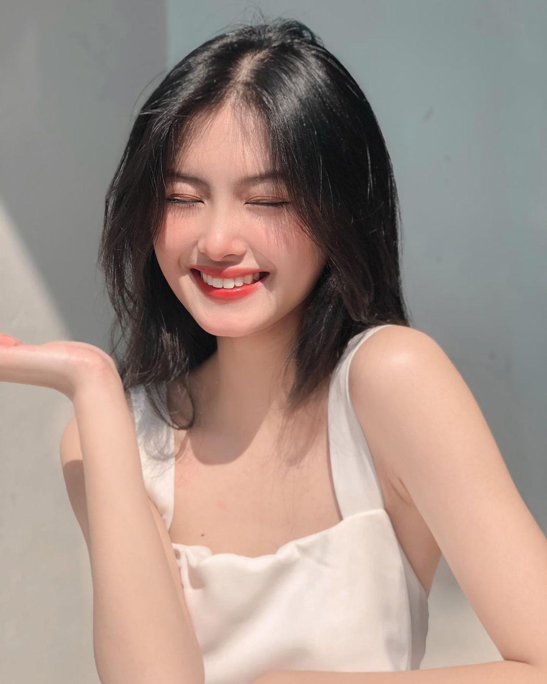 [人物]清纯越南妹子「Leely」辣穿奥黛,让人不被她掳获都不行啊. 养眼图片 第15张