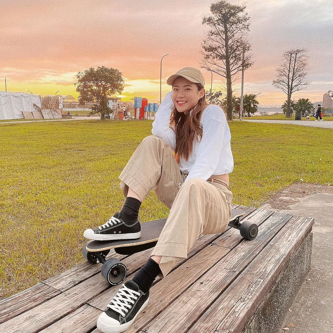 正妹滑雪教练Vivi甜美笑容让人恋爱身材太好太犯规 养眼图片 第5张