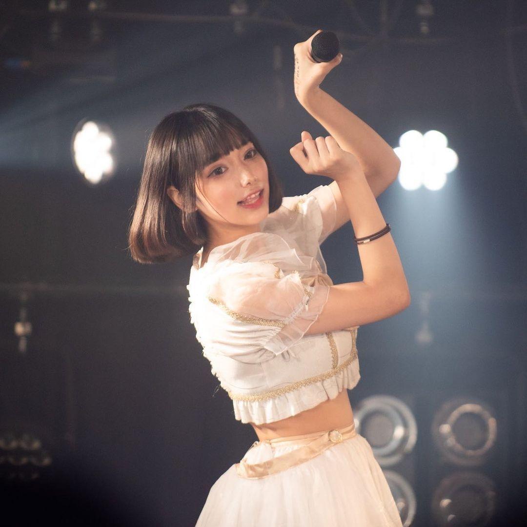 日本少女偶像天使もも写真使出招数 养眼图片 第5张