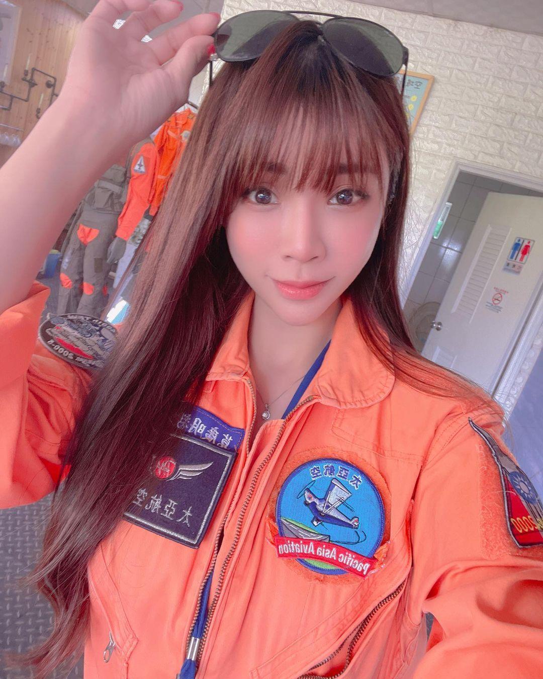 轻航机美女飞行员「莉亚liya」启航绝美御姐霸气满分 网络美女 第2张