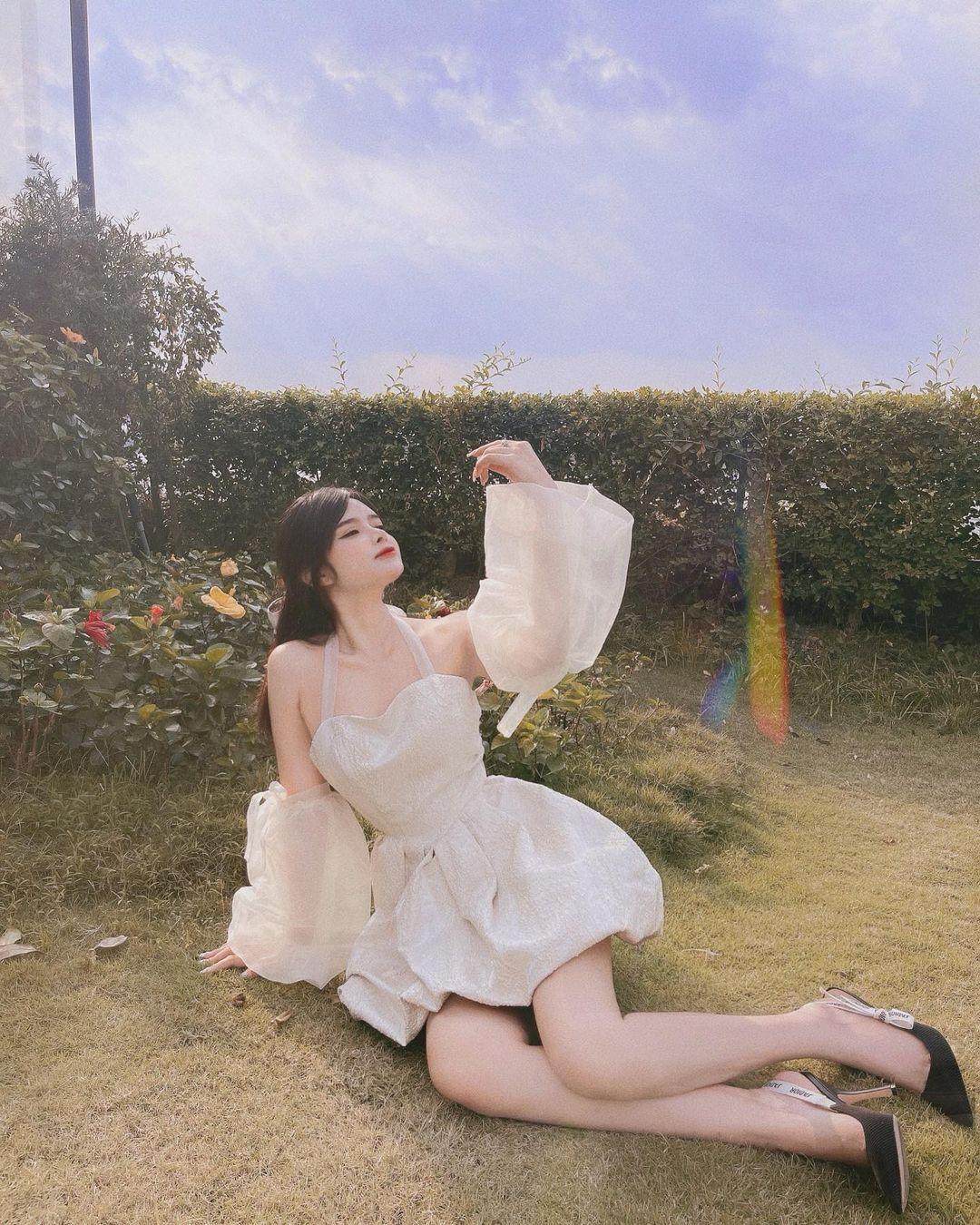网拍老板娘Do Khanh An ,晒穿搭照身材让人恋爱-新图包
