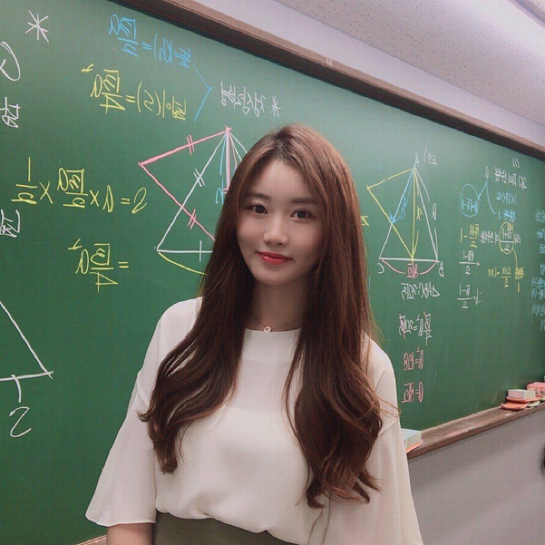 超正补教界美女老师.「数学仙女」站上讲台 养眼图片 第3张