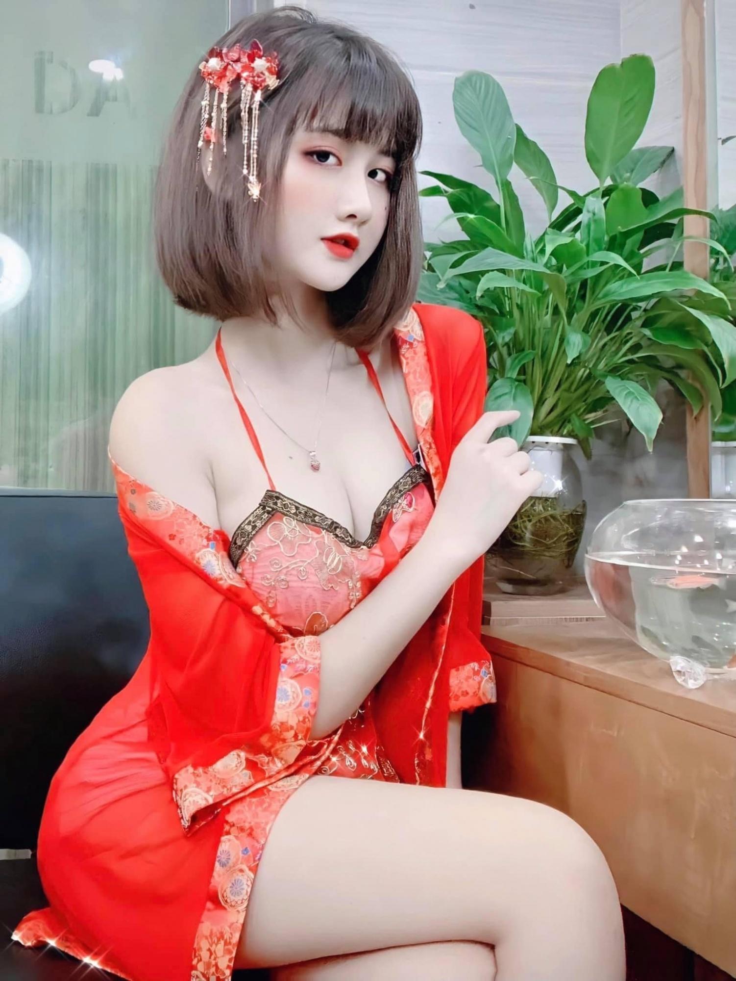 来自越南的短发尤物Phạm Thị Hằng!迷茫眼神+浑圆雪=诱惑指数100%-新图包