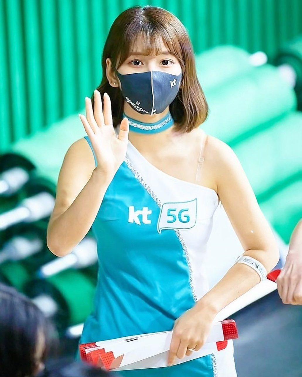 韩国啦啦女神「李河润」公开活动,因疫情大减转拍抖音照吸人气-新图包