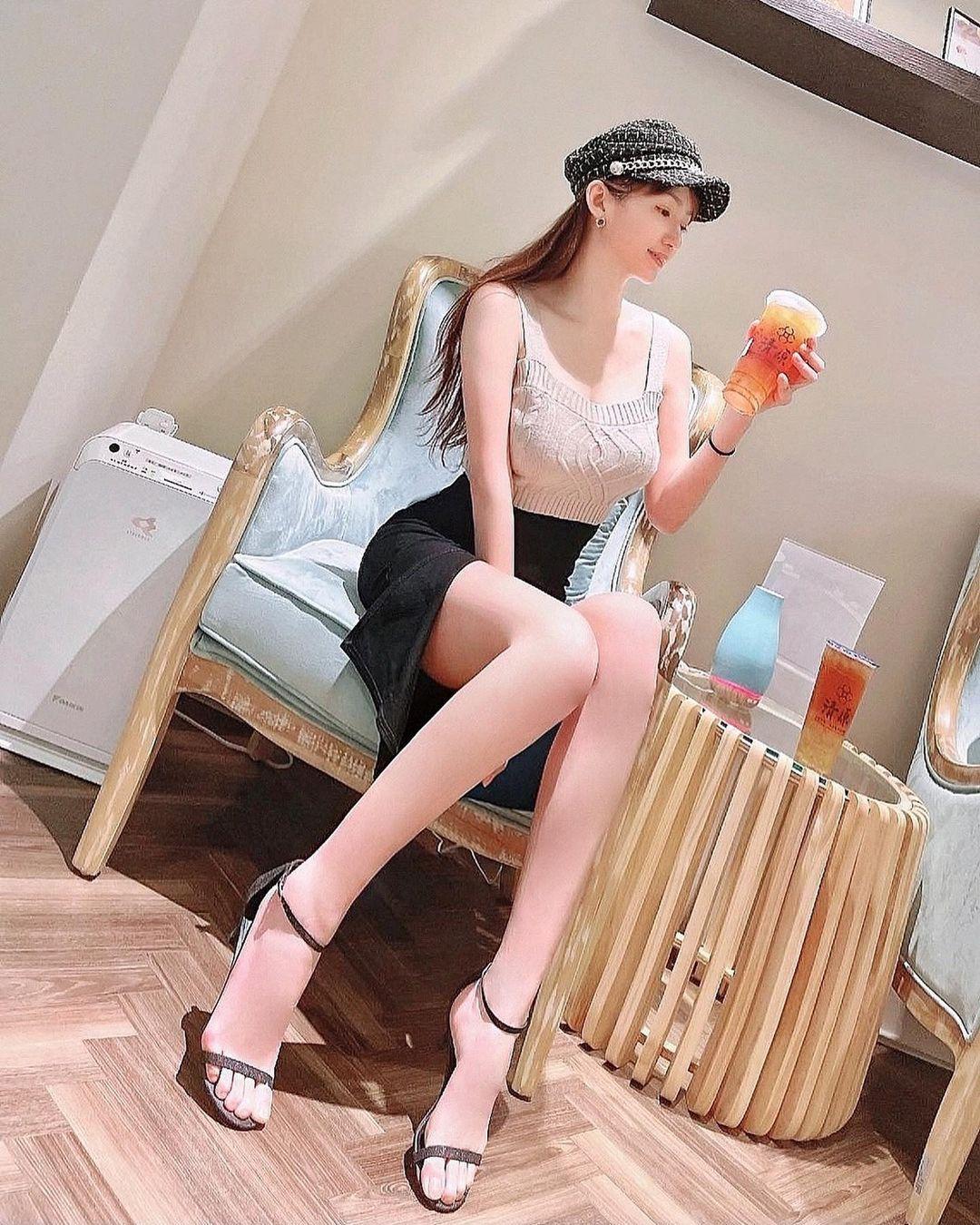 长腿连发173cm窈窕正妹Sansa珊莎美腿好逆天,好辣 网络美女 第13张