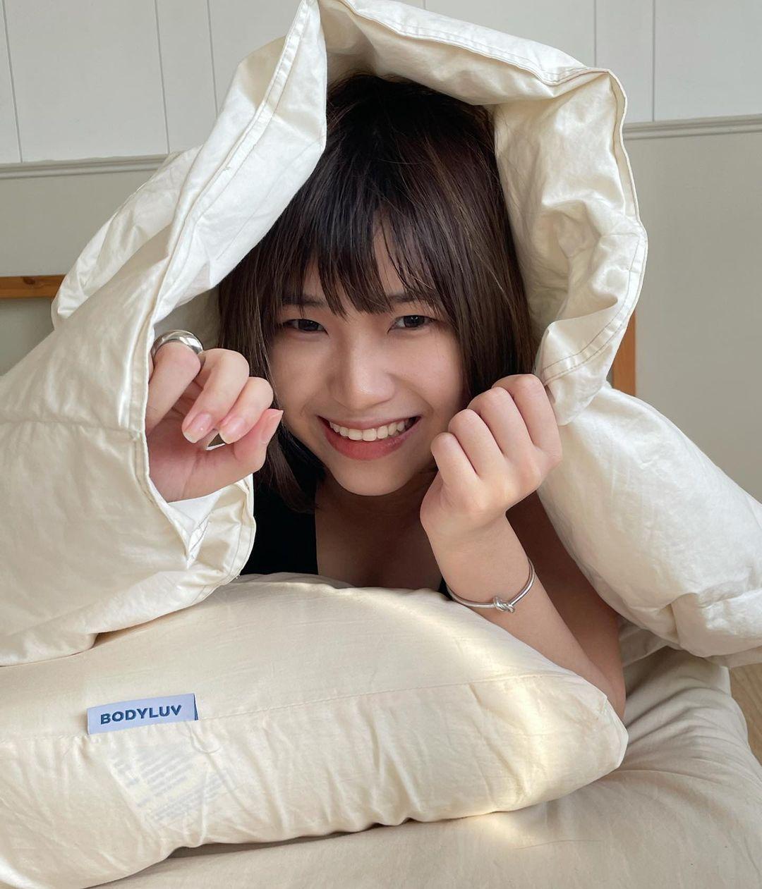 深藏不露的短发妹笑容甜美充满活力,还有超会画画的才华 网络美女 第8张