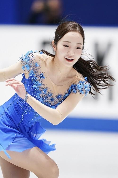[正妹]日本花式滑冰女神[本田真凛]Cos蝴蝶忍在运动场上翩翩起舞 养眼图片 第5张