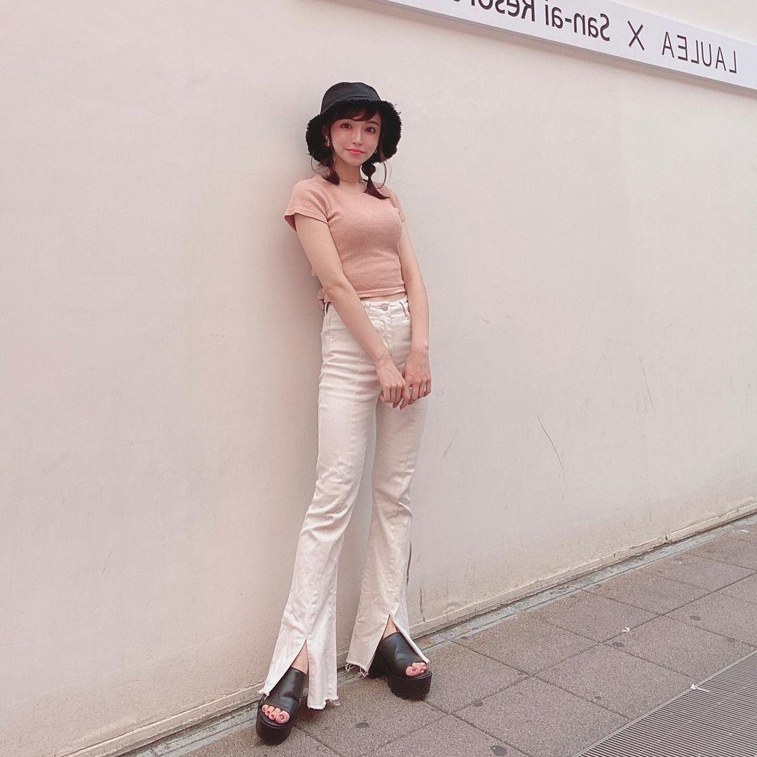 150cm甜美正妹是现役药剂师 网友光看就恋爱 美女动图 第9张