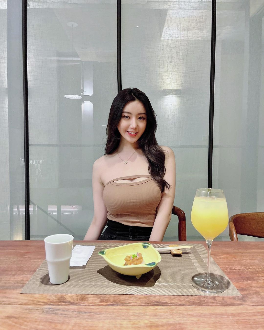 蔡依林演唱会上超火辣「口罩妹」怪美der~
