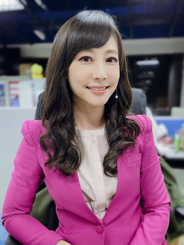 美女主播吴宇舒在家健身大晒马甲线辣照狂吸万人按赞 网络美女 第10张