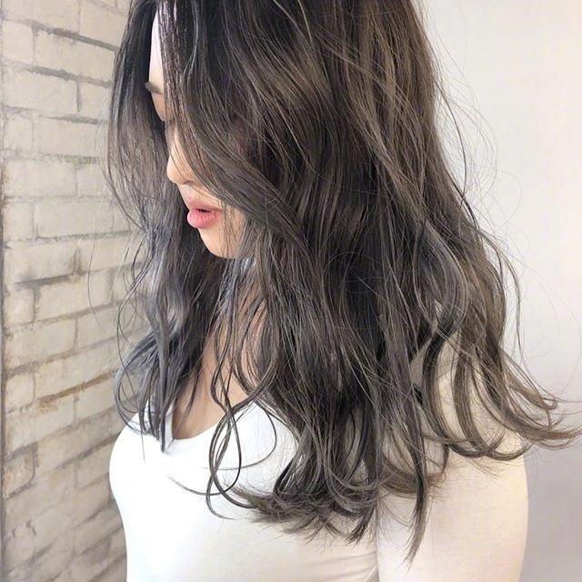 """日式卷发,听说最近很流行""""湿发感"""""""