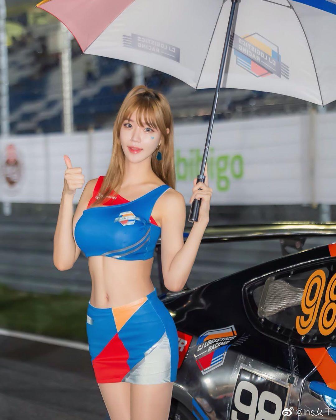 极品韩国大胸美女车模 低胸爆乳形成了那道迷人的沟壑5