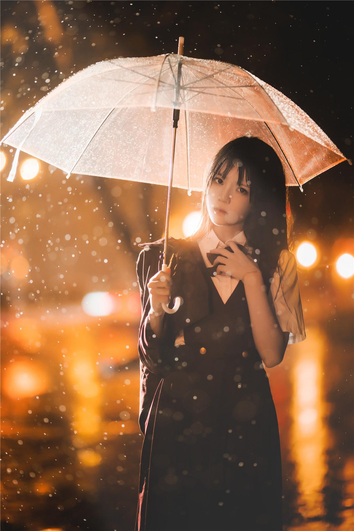 桜桃喵 雨下 [42P-1.39GB]
