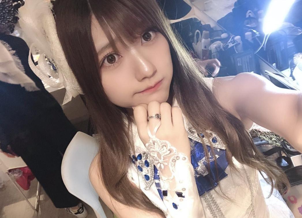 不仅长得可爱而且声音甜美的日本小姐姐!身材娇小的妹子cos超可爱!