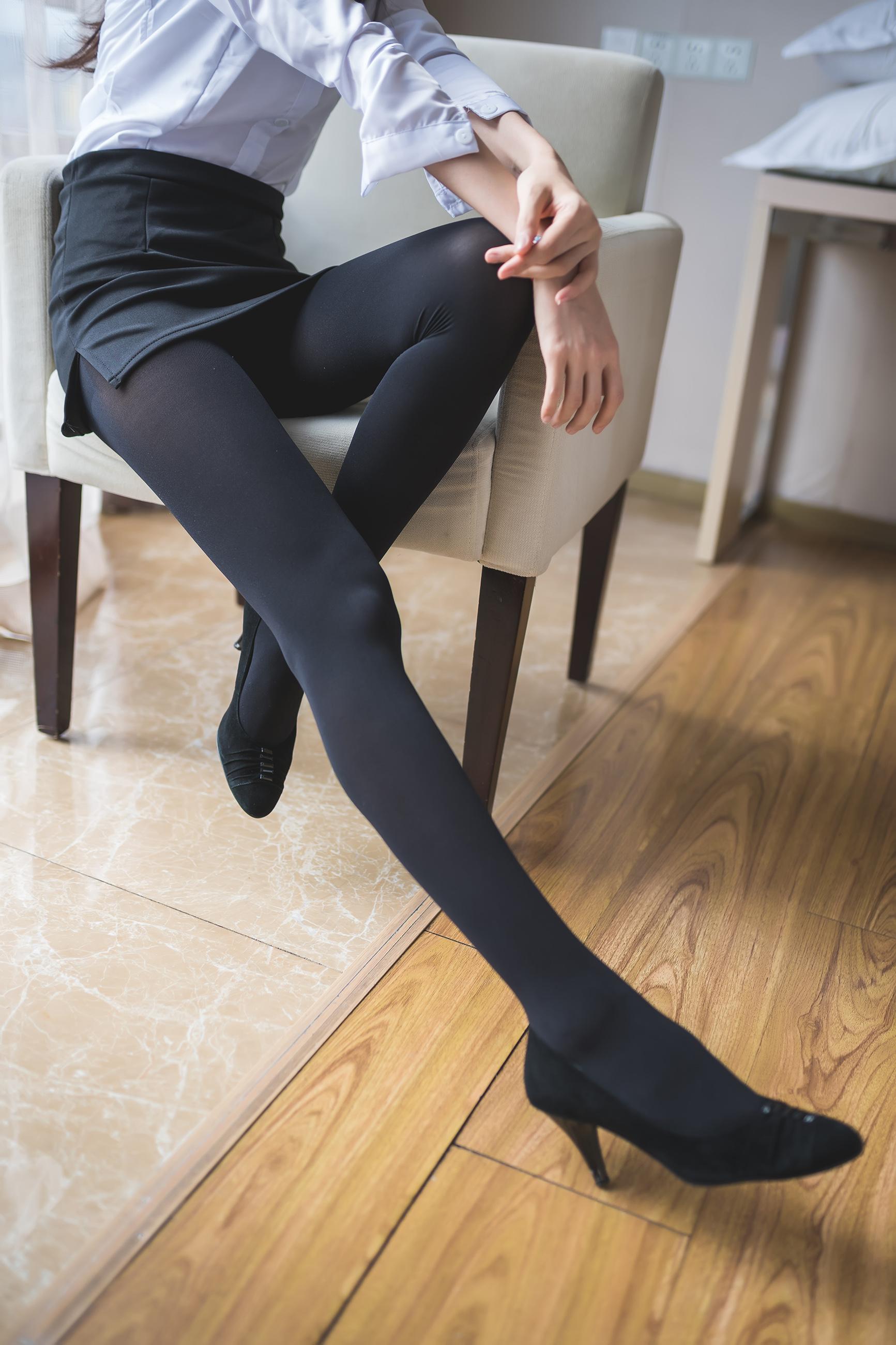 这个腿也太棒了吧! 腿控领域