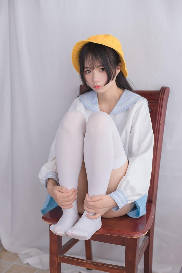 小黄帽和白丝 腿控领域