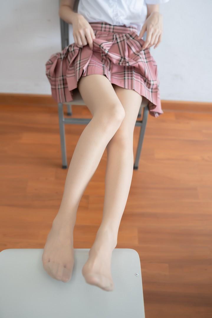006e5ANEgy1g8oj4ie4bpj30jz0u0acb - 粉色格裙少女