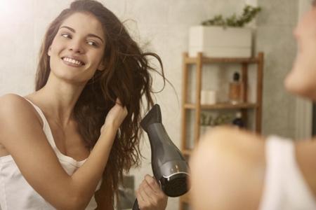 头发油腻怎么治,四个方法还头部清爽