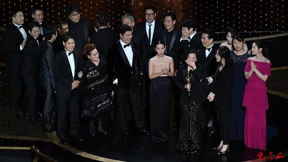 《寄生虫》电影成第92届奥斯卡最大赢家!-四斋社
