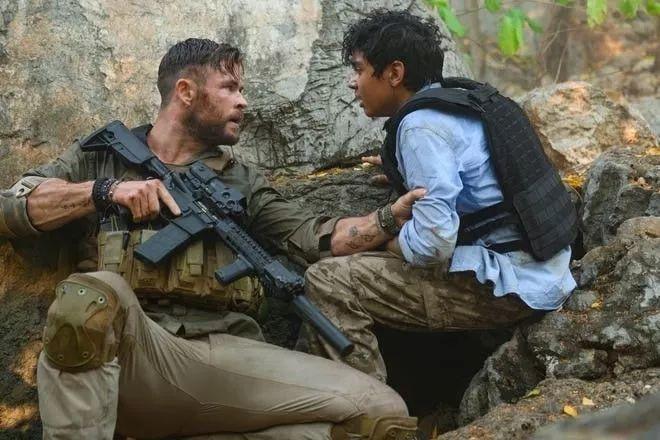 《雷神》主演克里斯海姆斯沃斯领衔Netflix动作新片《极限营救》-四斋社