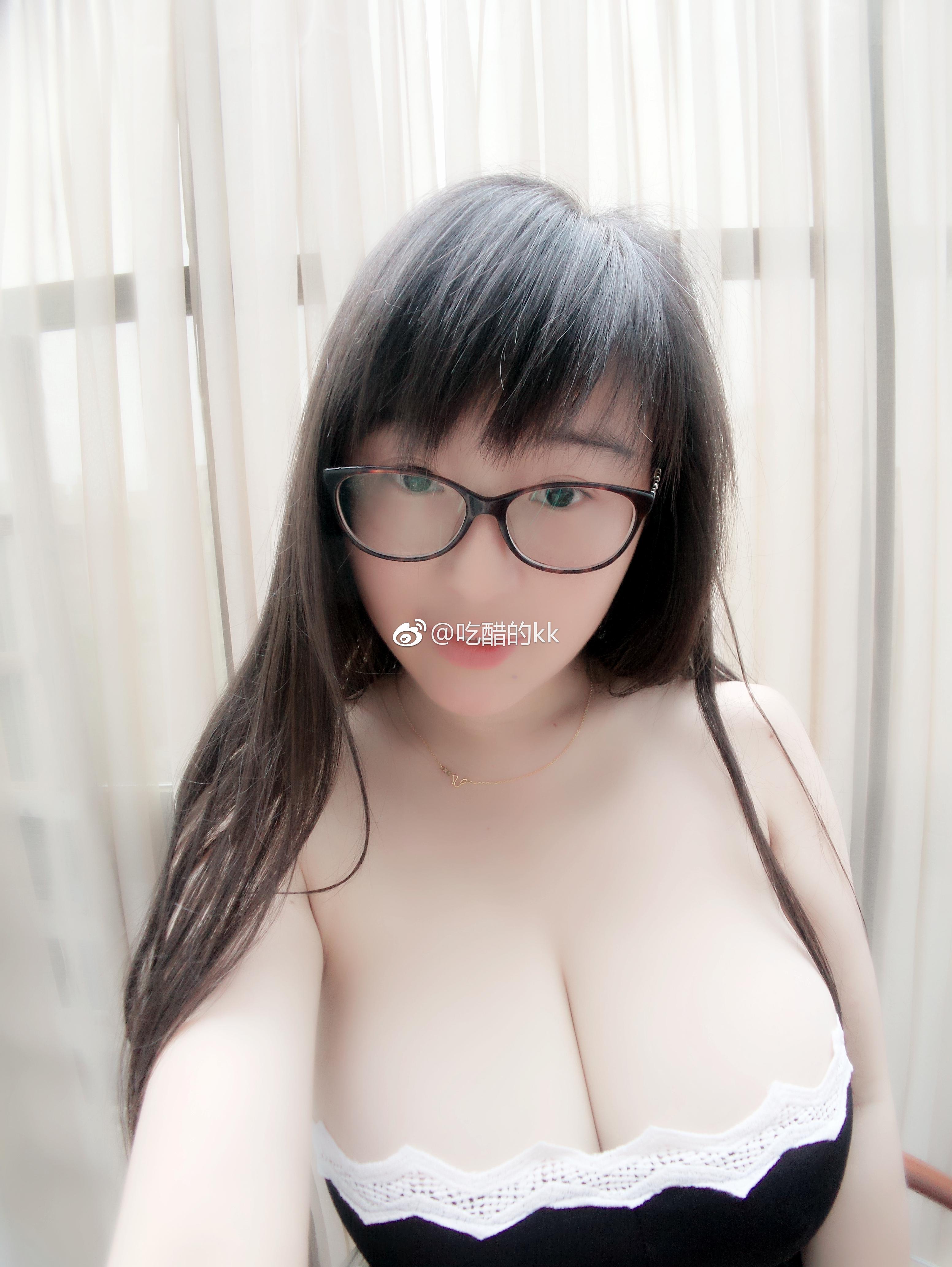吃醋的kk(´∩ω∩`) _美女福利图片