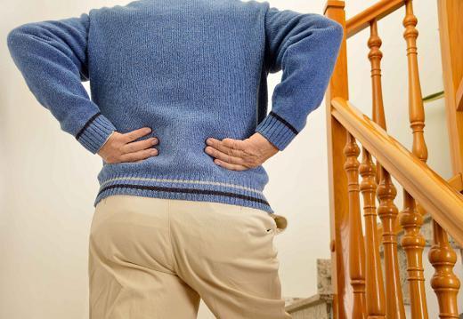 """""""同房""""后,为什么男人会腰痛?或与4大因素有关,男性需注意!"""