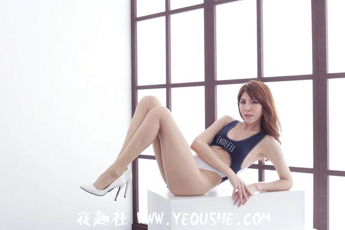 Maggie黄淑华RQ高衩连身衣风格(70P)