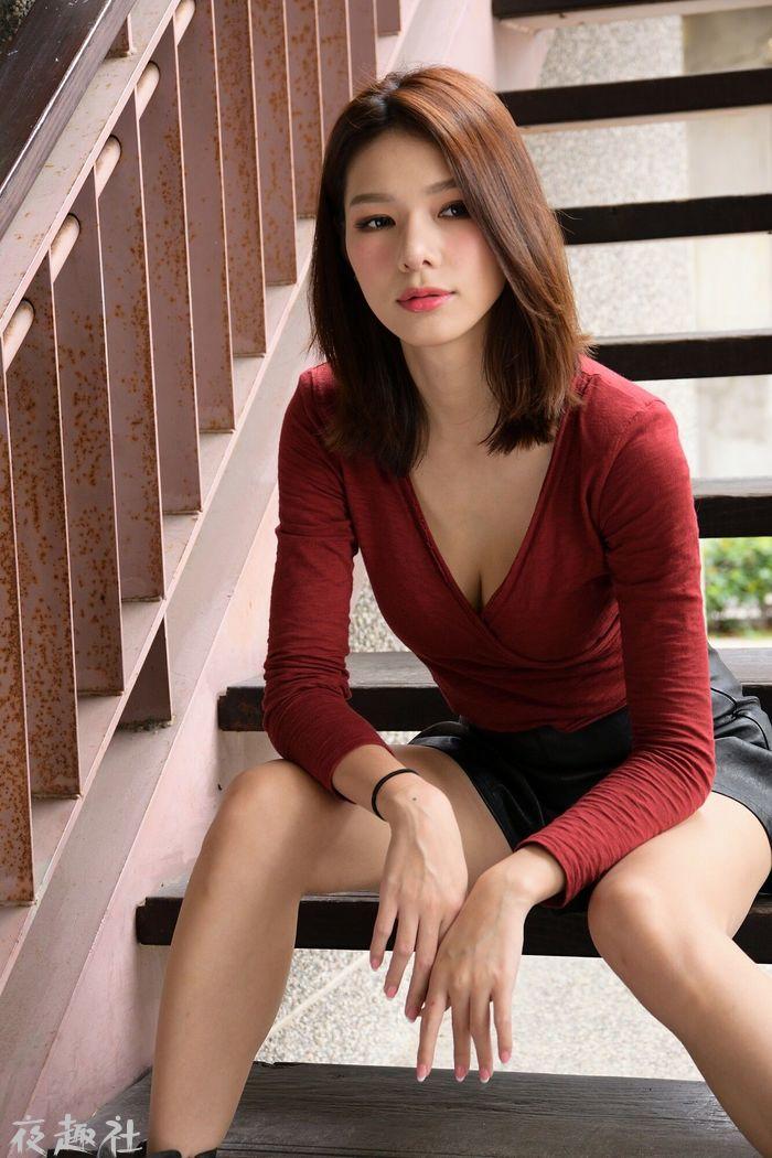 Kate-外拍超短皮裙系列(32P)