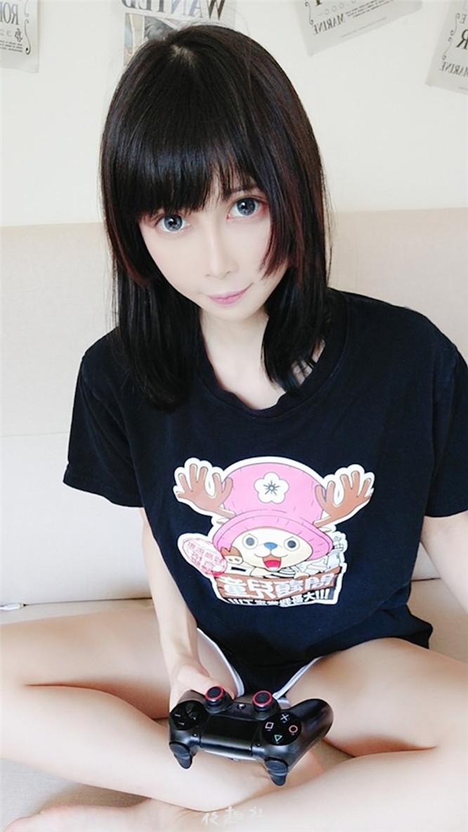 台湾本土「童颜巨乳」妹子cos乳量惊人!圆润形状超诱人