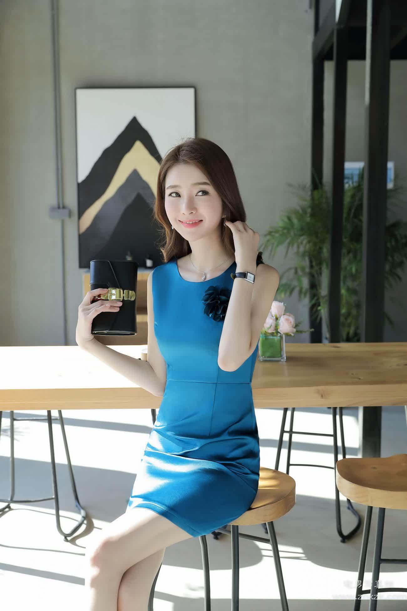 [原创摄影]淘宝时装模特写真可爱连衣裙粉嫩
