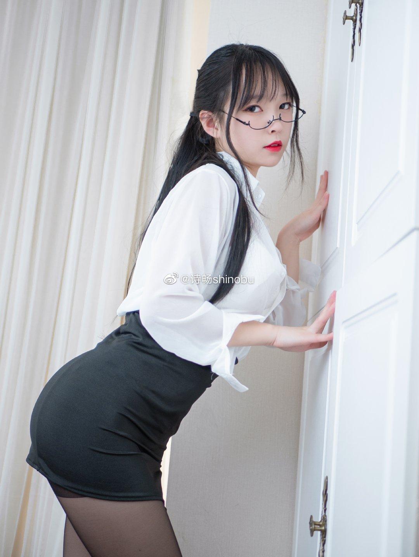 放学后留一下哦,这位同学♡ 美女写真-第2张