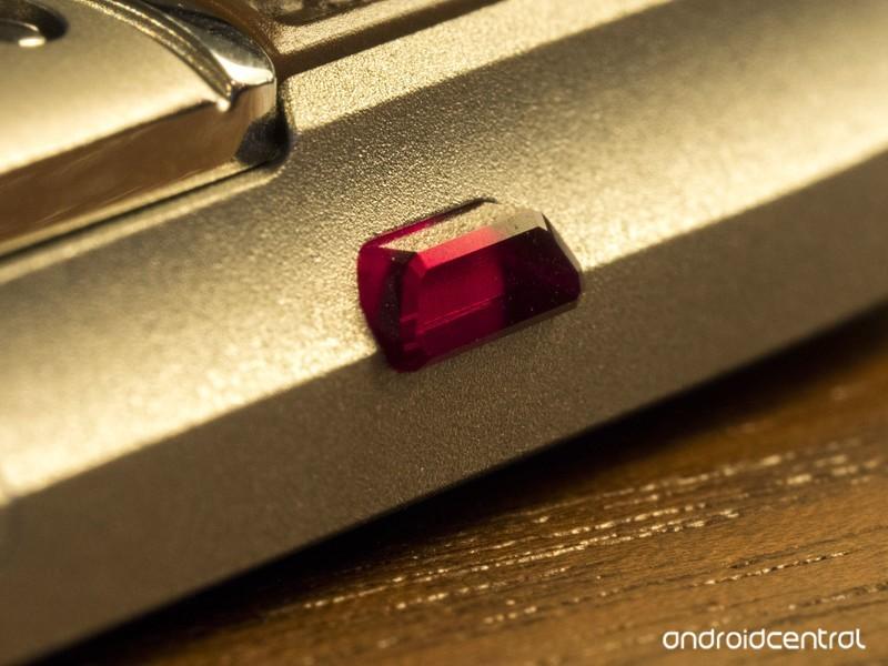 精仿Vertu威图星座x手机红宝石按钮