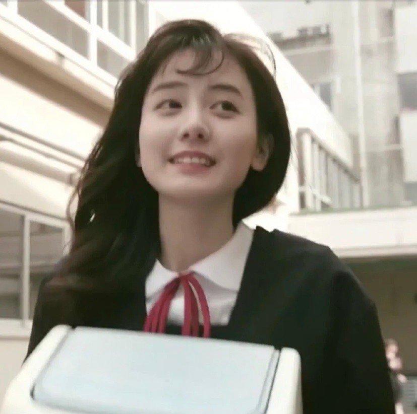 中川梨花学生剧照图片,可爱病娇美少女