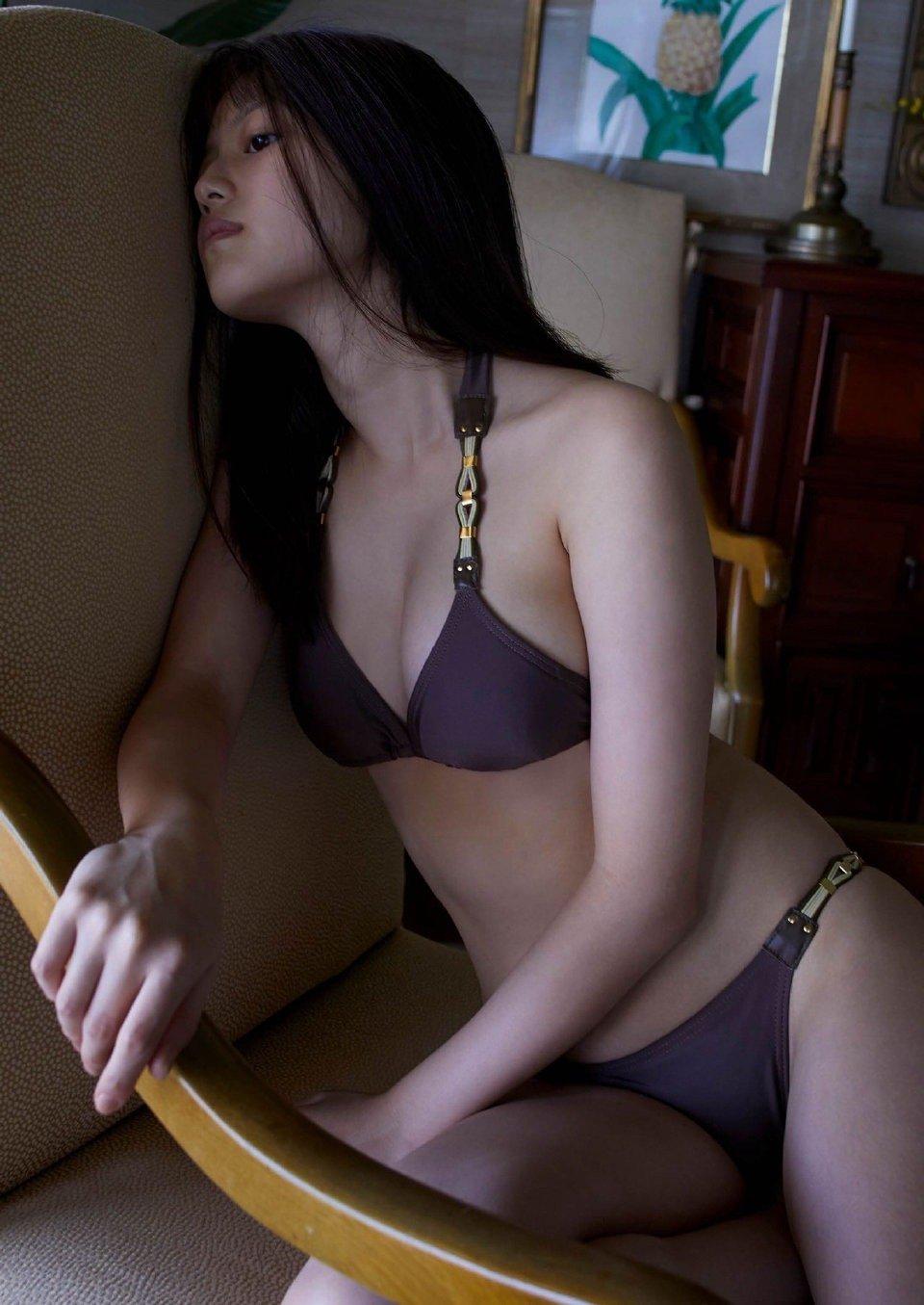 日本演员今田美樱又纯又欲写真图片,这才是男人喜欢的微胖