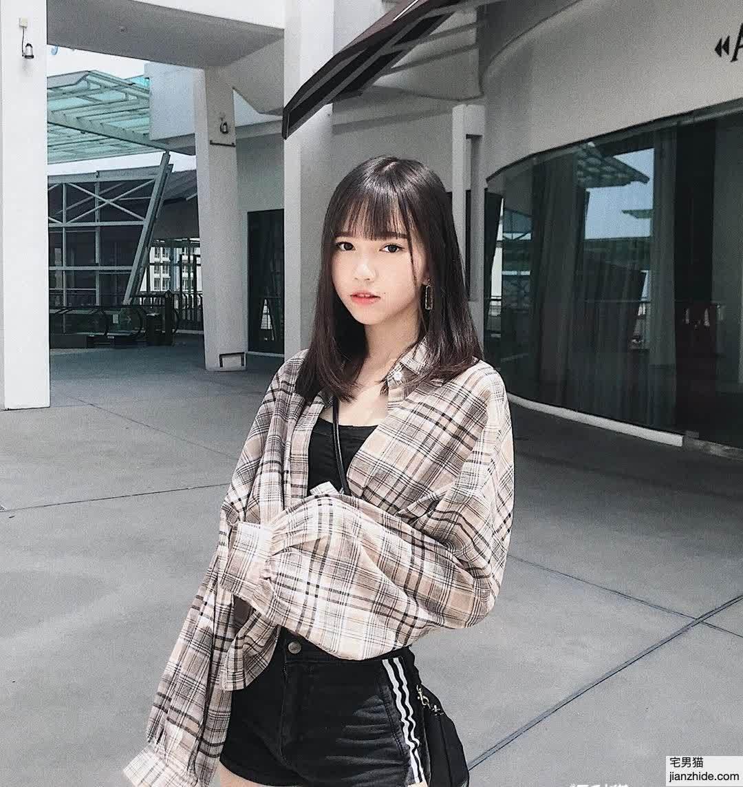 今日妹子图:马来西亚18岁学生妹Ciao Wen(巧雯)