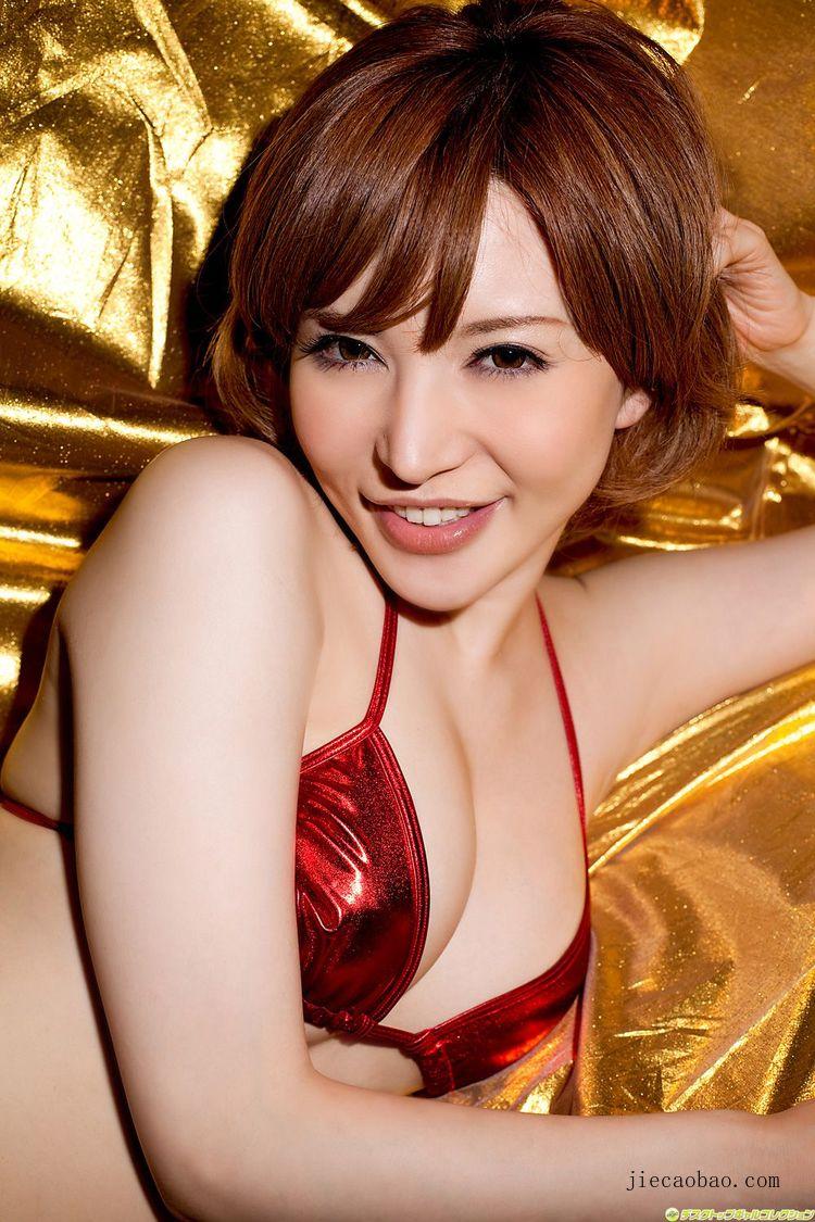 魅力短发女人里美尤利娅(里美ゆりあ)性感写真欣赏 美女精选 第8张