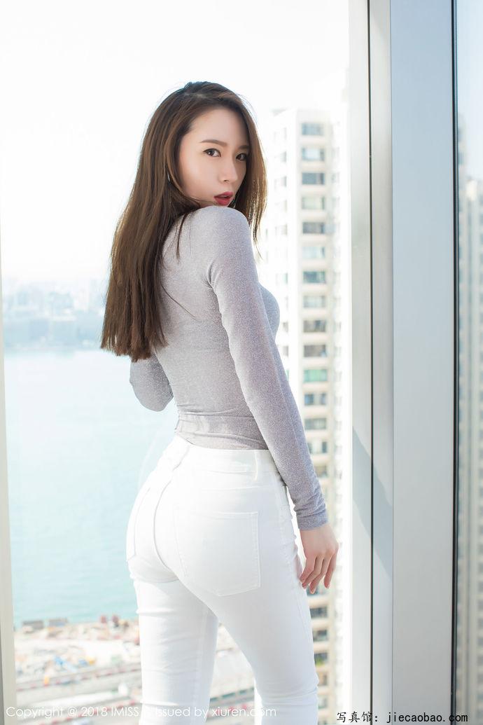 姐妹花梦心玥和萌琪琪摄人魂魄的性感写真鉴赏 美女精选 第3张