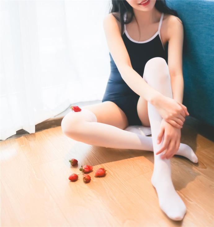 死库水 草莓 牛奶 丝袜 清纯丝袜