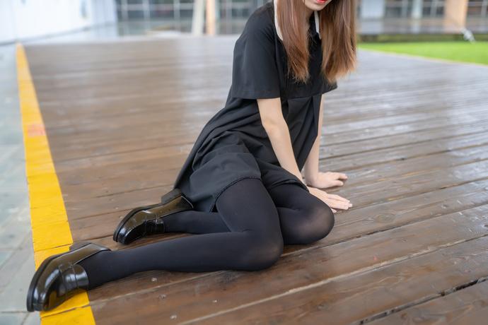 暖冬里的黑丝小姐姐 清纯丝袜
